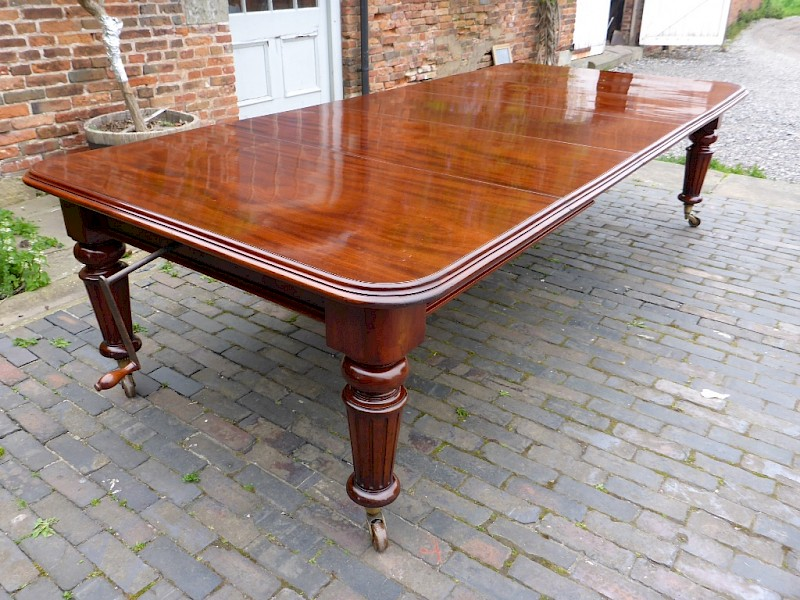 Excellent Victorian Wind Out Dining Table James Shoolbred