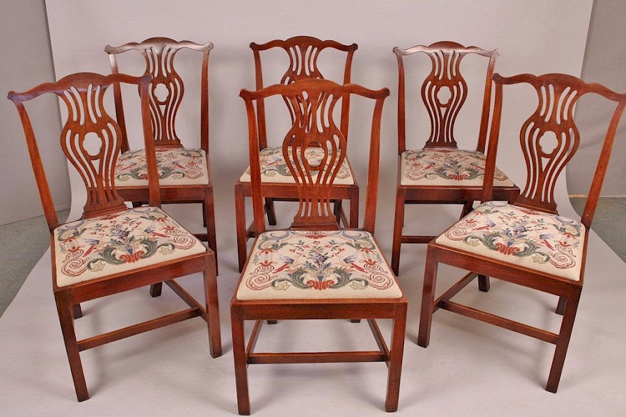 A Set of 6 Georgian Mahogany Dining Chairs (copy)