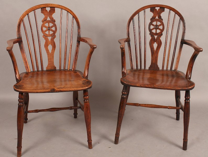 "Thames Valley ""Prior Type"" Pair of Antique Windsor Armchairs"