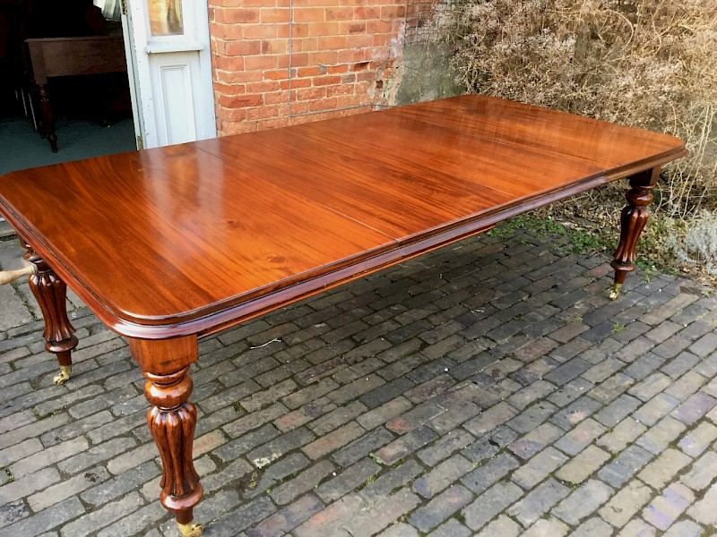 A Victorian Two Leaf Extending Dining Table Mahogany