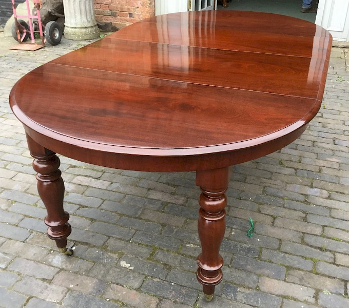 Victorian 2 Leaf Extending Dining Table in Mahogany