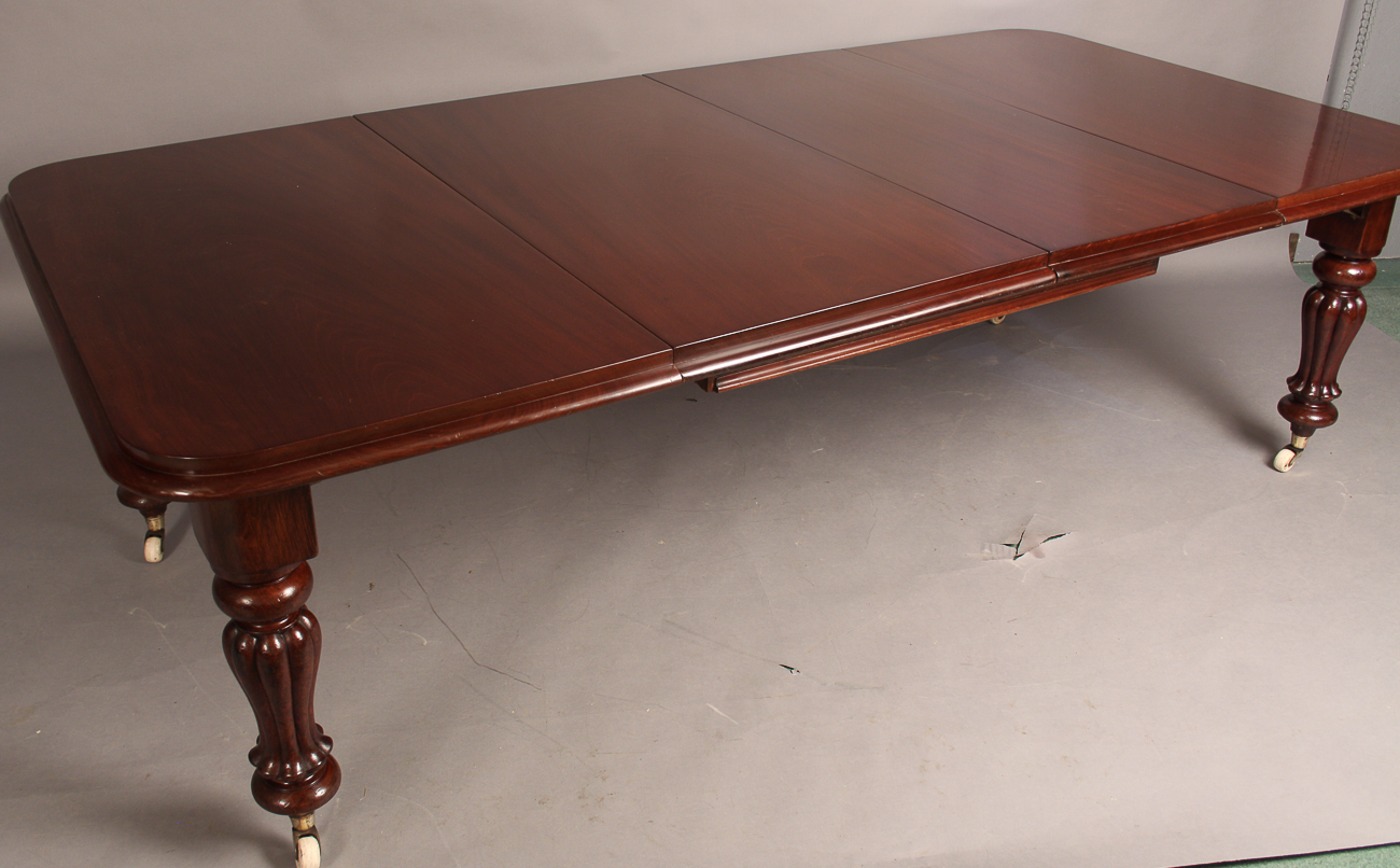 victorian extending dining table seats 10 wickersley antiques. Black Bedroom Furniture Sets. Home Design Ideas