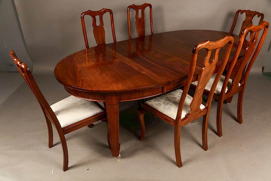 Mahogany Extending Dining Table and Six Dining Chairs