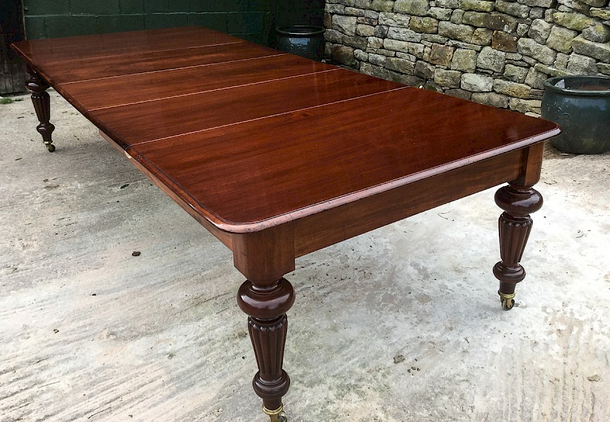 Victorian Mahogany Extending Dining Table 3 Leaves sets 10