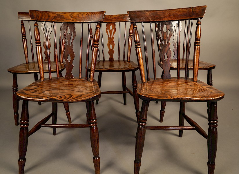 Good set of Comb Back Kitchen Windsor Chairs Grantham