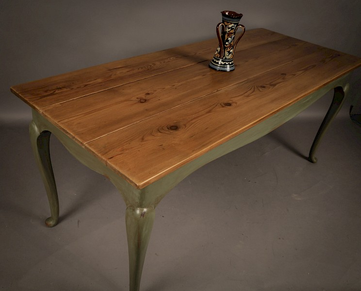 Farmhouse Dining Table pine top