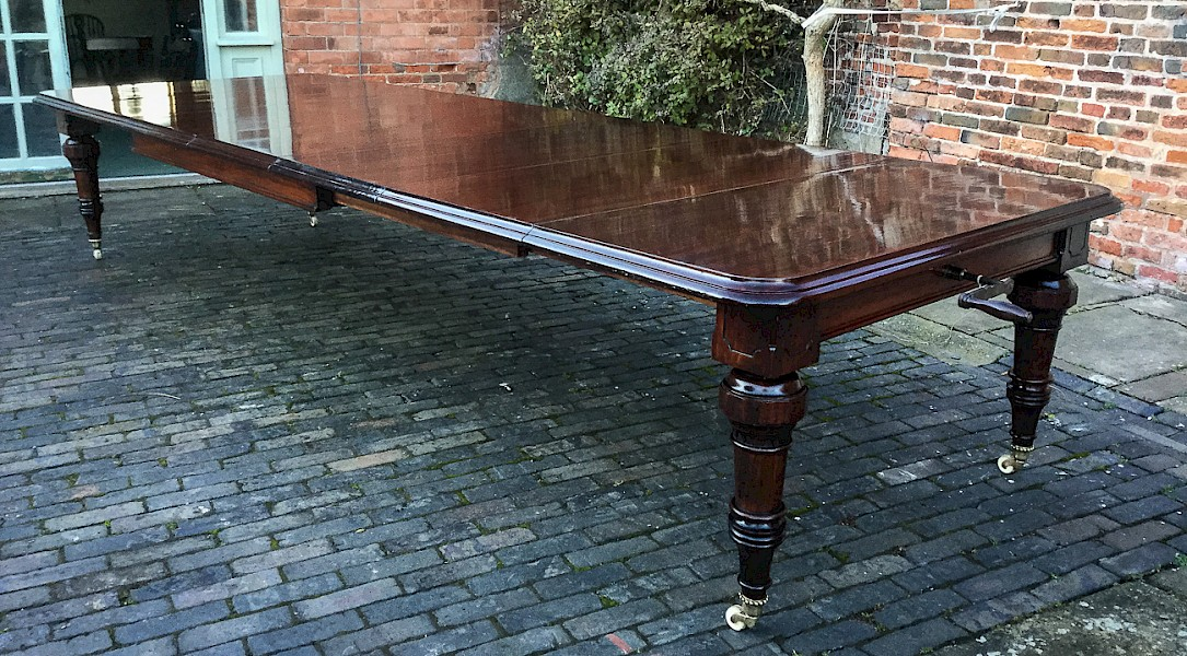 Large Victorian 5 Leaf Extending Dining Table seat 16