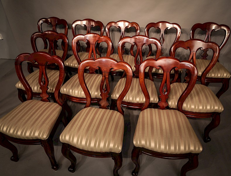 Set of 12 Victorian Mahogany Spear Point Balloon Back Dining Chairs