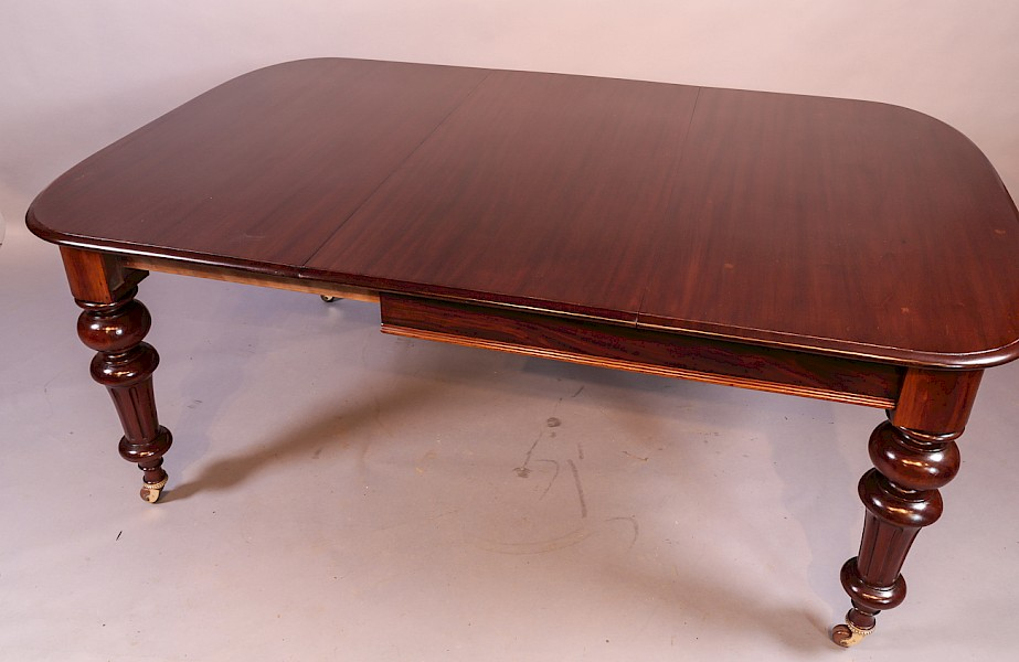 Victorian Mahogany Extending Dining Table seats 8