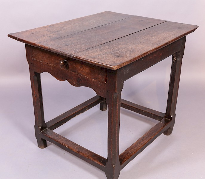 Good early 18th century side table in Oak with a drawer