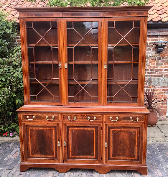 Superb late Victorian Inlaid Mahogany large Bookcase