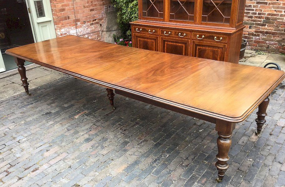 Large Early Victorian Mahogany Dining Table seats 14