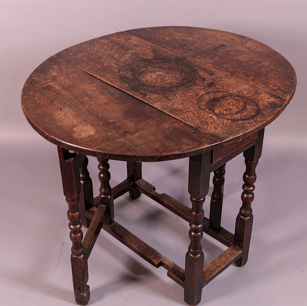 Small 17th century Gate Leg Table