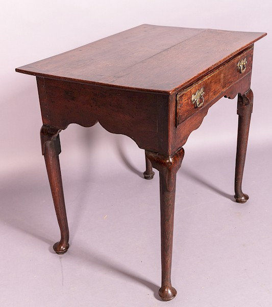 18th century Oak Side Table Quality