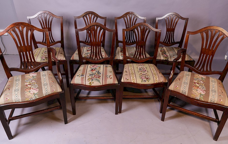 A Set of 8 Georgian Mahogany Dining Chairs