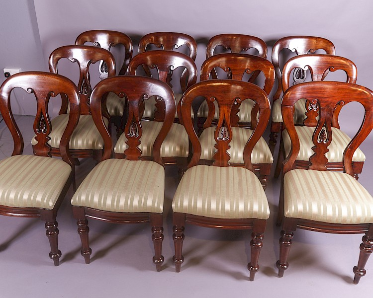 Rare Set of 12 Victorian Spear Point Balloon back Dining Chairs