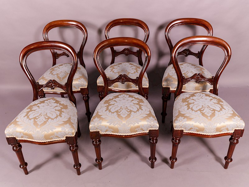 A Set of 6 Victorian Mahogany Dining Chairs
