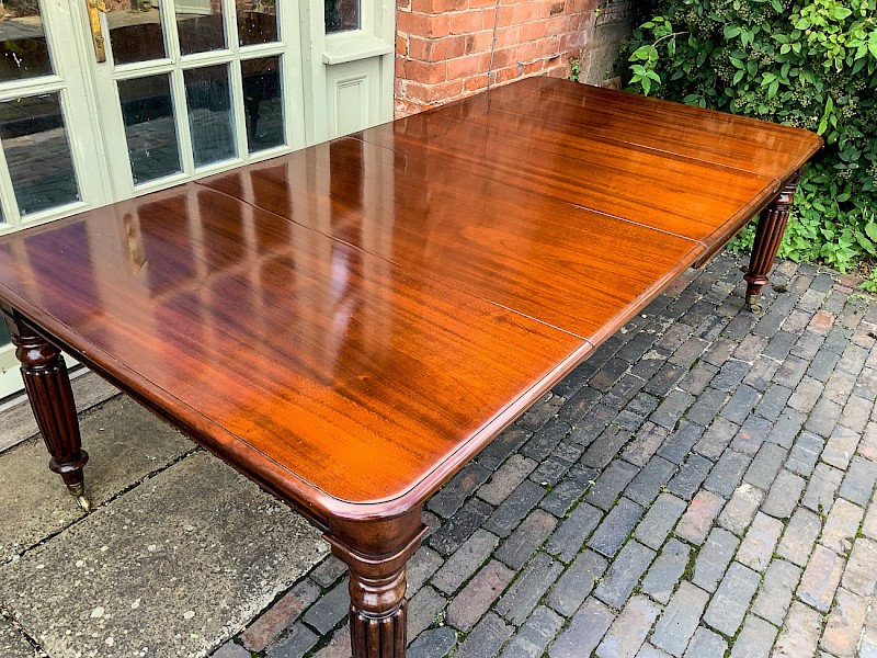 Victorian Mahogany Extending Dining Table seats 10/12