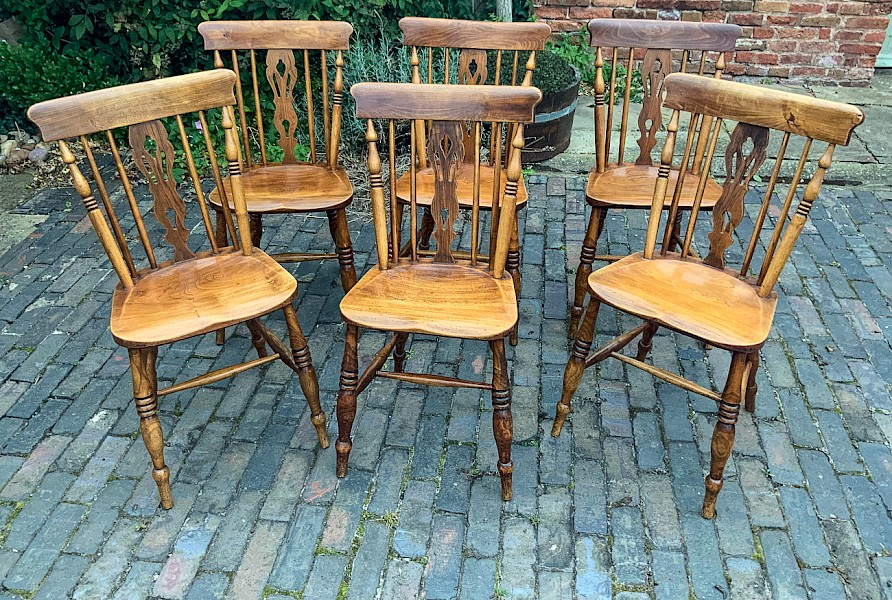 A Good set of 6 Lincolnshire Kitchen Chairs