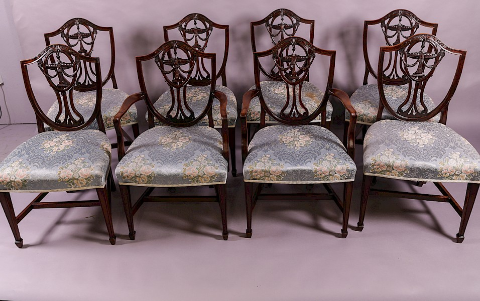 A Set of 8 nineteenth century Hepplewhite Dining Chairs