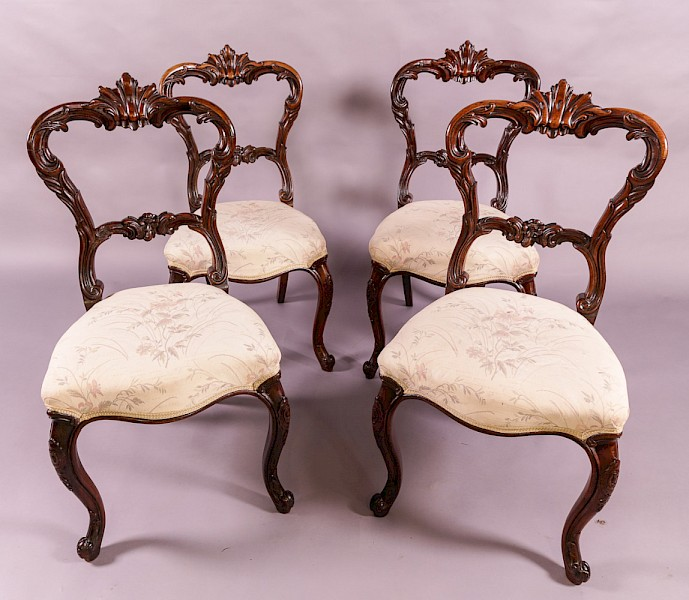 Very good set of 4 early Victorian Rosewood Dining Chairs