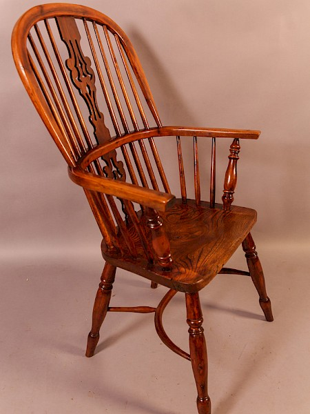 Very Good Yew Wood High Windsor Chair Lincolnshire