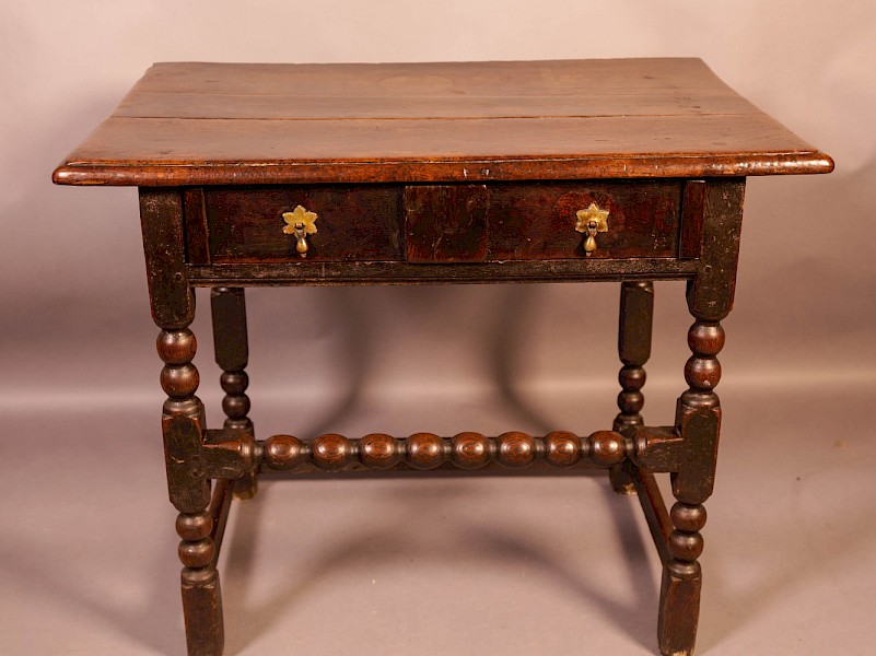 17th century Side Table in Oak fantastic Colour