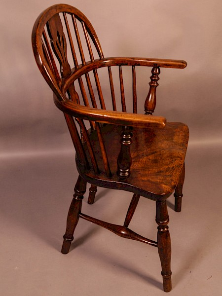 An Ash and Elm Windsor chair c 1850