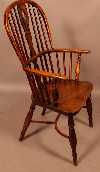 A High Windsor Chair in Ash and Elm Rockley Maker
